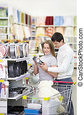 Married couple in the store