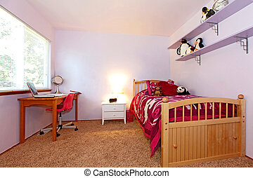 Girls bedroom in pink - Girls bedroom with pink bedding and...