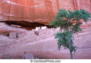 Canyon De Chelly - Canyon de Chelly entrance the Navajo...