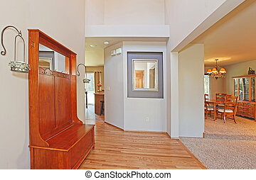 Large and open entrance with shelve and mirror