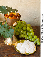 Communion bread and wine - Holy communion image showing a...