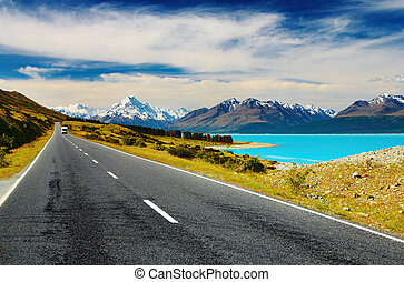 Mount Cook, New Zealand - Mount Cook and Pukaki lake, New...