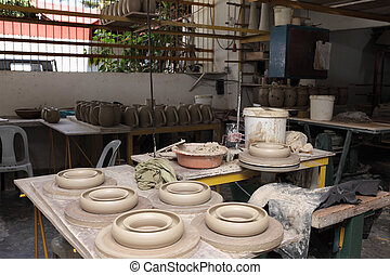 Asian pottery overview - Overview of an Asian Philippines...