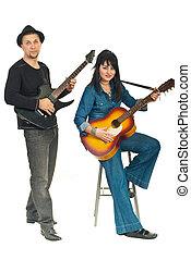 par, tocando, violões