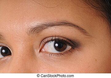 Beautiful Latina Girl - The eyes of a Beautiful Latina Girl