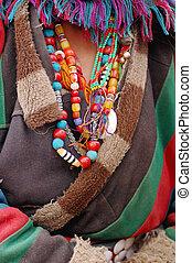 西藏人, 服裝