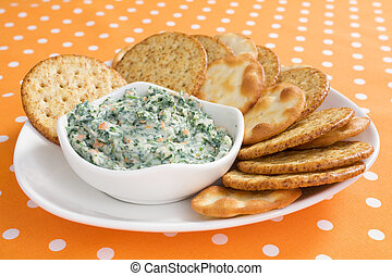 Creamy Spinach Dip - Creamy spinach dip with crackers.