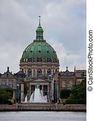 Dome of the Marmor church - Fountain, statue and the Marmor...