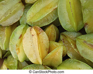 Starfruit - pile of Starfruit on sell at farmers market in...