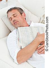 épuisé, homme, dormir, divan, maison