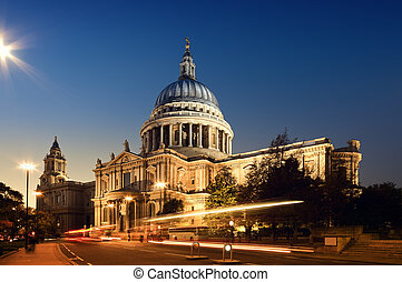 St Pauls Cathedral. London at night