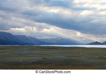 Mountain lake Khoton Nuur in Mongolian Altai - Khoton Nuur...
