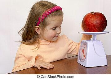 pesa, fruta, criança