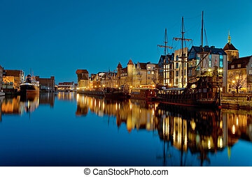 Gdansk of Riverside at night - The riverside with the...