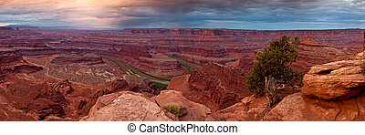 Over Canyons - Canyonlands from Dead Horse point, Utah