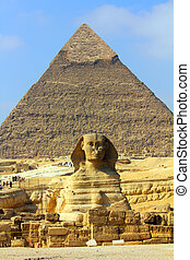 egypt pyramid and sphinx - famous ancient egypt pyramid and...