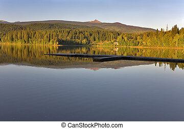 silencioso, lago