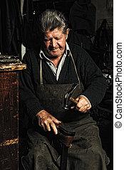 antigas, homem, sapateiro, reparar, antigas, feito à...