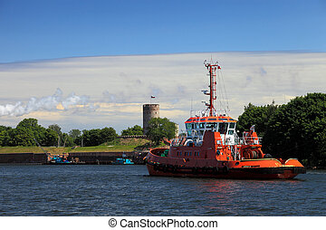 Tugboat and Wisloujscie Fortress - Wisloujscie Fortress a...