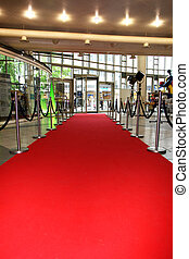 the red carpet to the rear without leaking people