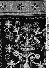 Black & White stiched broderie - Stitched broderie