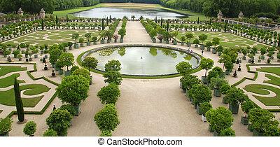 Versailles gardens - Famous gardens near palace...