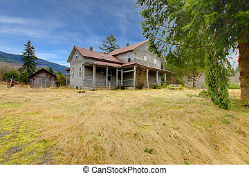 Very old rustic grey house on the country farm land. - 110...