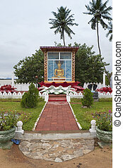 buddhist shrine - a small buddhist shrine by the roadside...