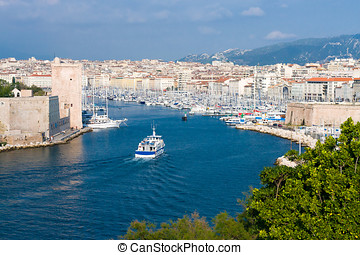 Old Port of Marseille - Panoramic view of Old Port of...
