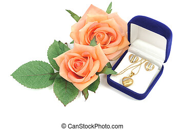 Love gift - Heart shape jewelry set and roses, on...