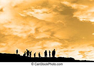silueta, gente, pico, acantilado, borde