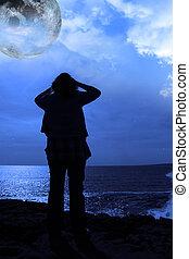 silueta, triste, solitario, mujer, Lleno, luna, acantilado,...