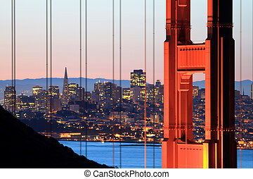 Golden Gate - sunrise over the Golden Gate bridge and San...