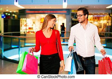 homem, mulher, shopping, centro comercial, sacolas