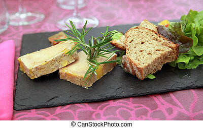Foie Gras Country Style - Generous slices of foie gras pure...