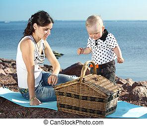 picnic near sea