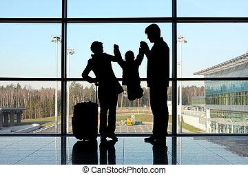 silueta, pais, segurando, seu, criança, mãos, ficar, Janela,...
