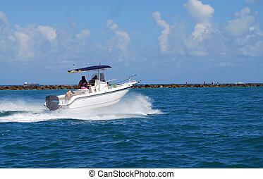Sporfishing Boat - Sportfishing boat exiting government cut...