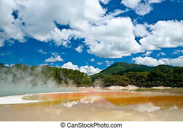 Frying Pan Flat pool at Wai-O-Tapu geothermal area in New...