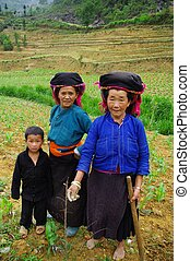 Black Hmong ethnic family - Black Hmong woman from the...