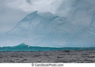 Iceberg in Drake Passage 4