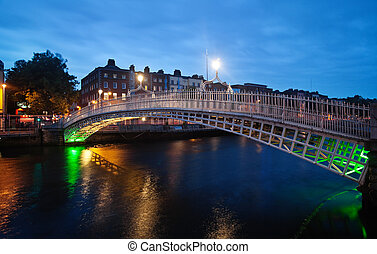 Half-penny bridge in Dublin in twilight