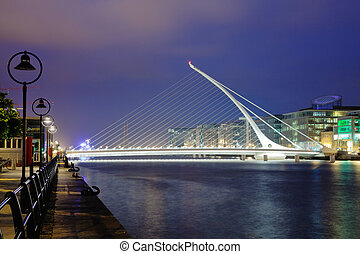 Harp bridge - Samuel Beckett Briddge in Dublin at night