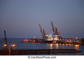 Night work in the port