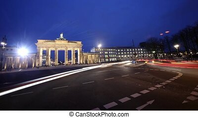 BERLIN - Brandeburger Tor, Traffic - Berlin - Brandeburger...
