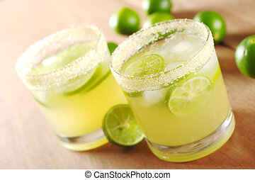 Fresh Lime Lemonade - Fresh lemonade with lime slices and...