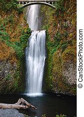 Mulnomah falls - Multnomah fall of Columbia River Gorge,...