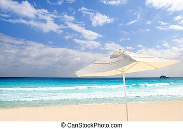 Parasol white sunroof in caribbean beach turquoise