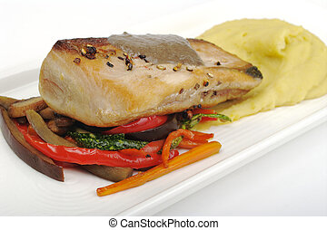 Tuna with Mashed Potato, Vegetables