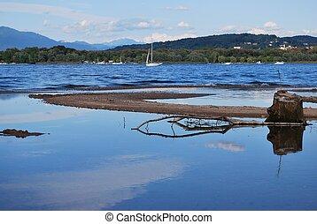 Maggiore lake
